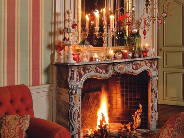 beautiful Classic Christmas fireplace decoration