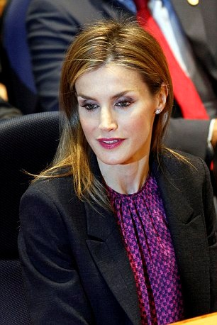 Queen Letizia - Style - Felipa Varella - Magrit - Jimmy Choo - Fashion - Coat - Dress