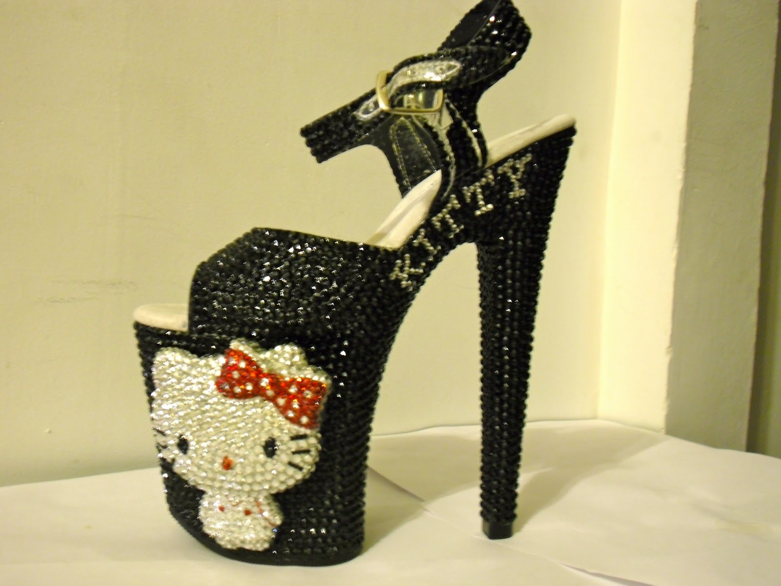 Hello Kitty High Heels Shoes