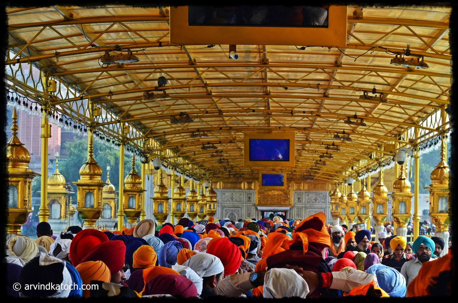 Golden Temple, Amristsar. devotees, entry point,