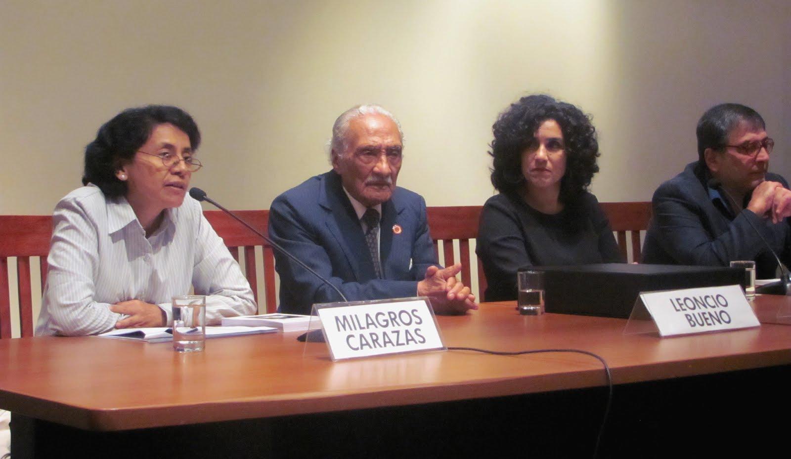 Premiación al poeta Leoncio Bueno