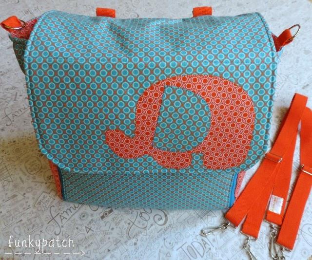 Bolso-mochila para la canastilla del bebé personalizado y handamade