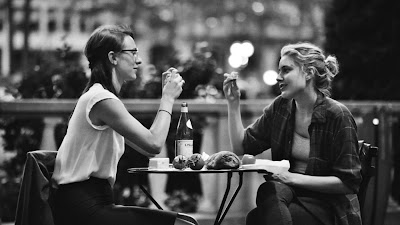 Greta Gerwig and Mickey Sumner in Frances Ha
