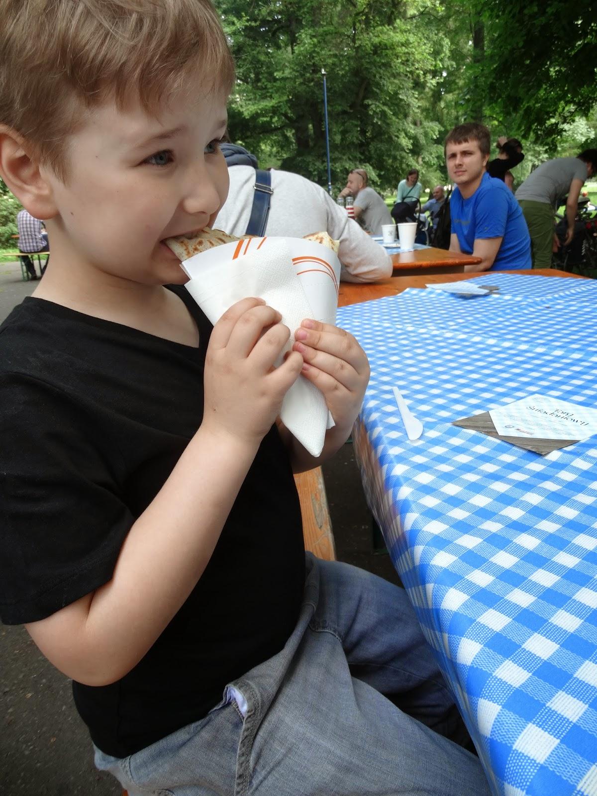 Targ Śniadaniowy, Park Krakowski, naeśniki, posiłek