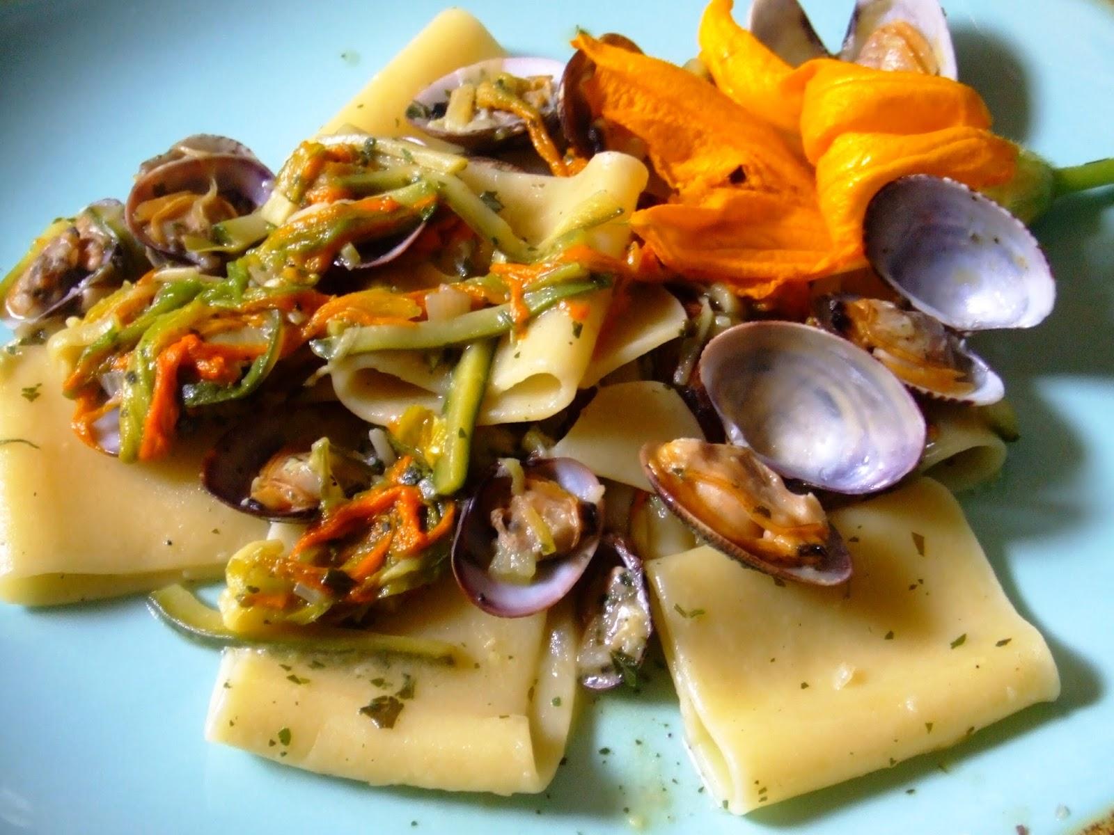 Paccheri Setaro alle vongole e fiori di zucchina