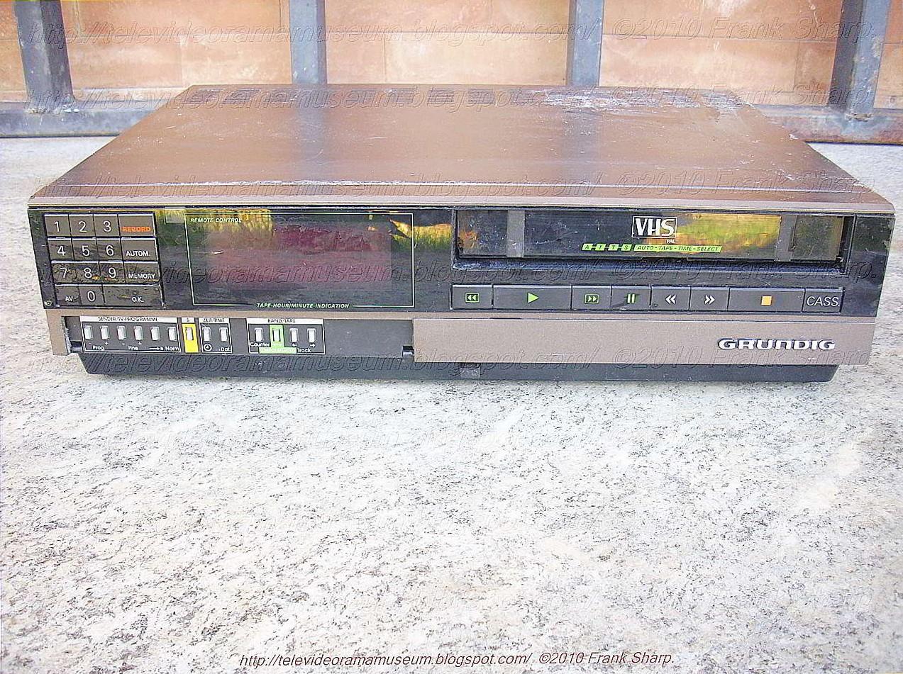 Tele Video Rama Museum !: GRUNDIG VS310 YEAR 1985.