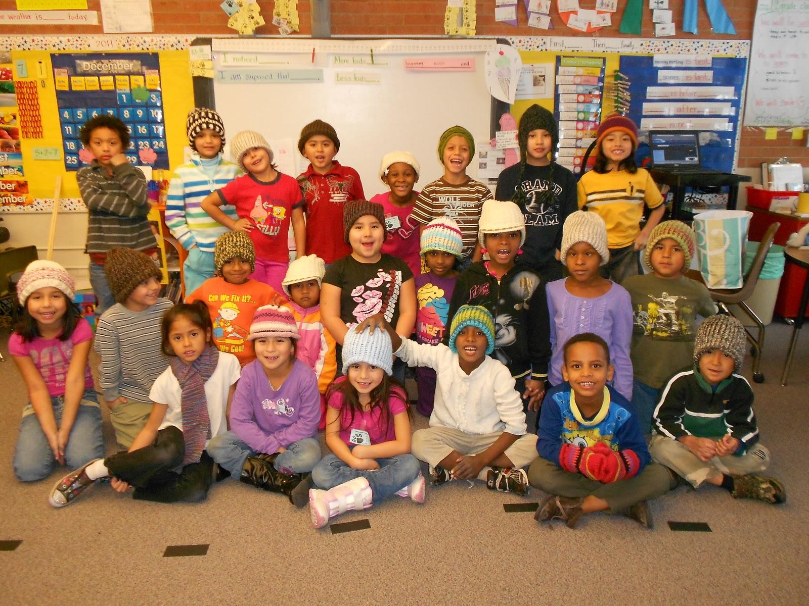 http://4.bp.blogspot.com/-rRba6a2sOiQ/Ttuq9t4moCI/AAAAAAAACY4/GGtk-rJqH6M/s1600/class+hats+007.JPG