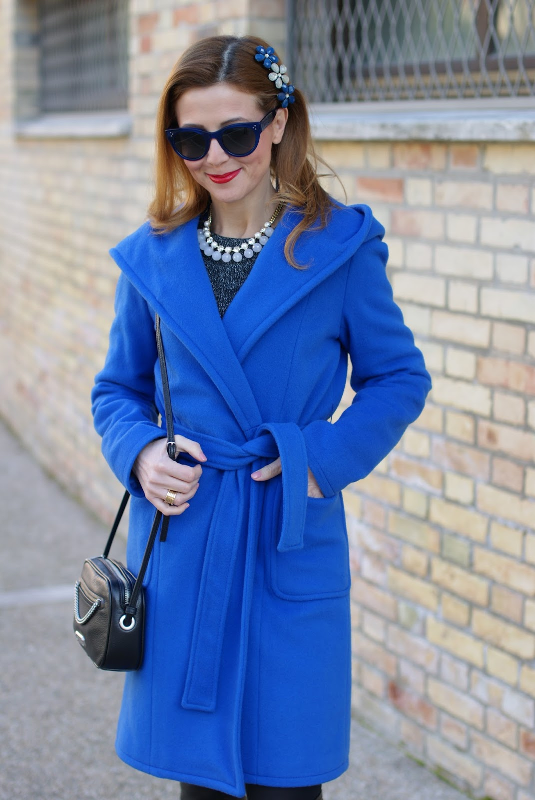 Wrap blue hooded coat and Luca Barra necklace on Fashion and Cookies fashion blog, fashion blogger style