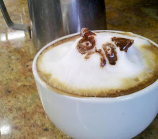 perro cafe espuma leche