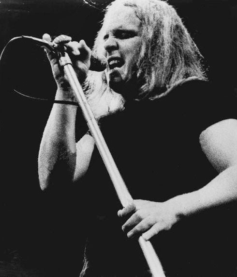 wilkeson singles Explore playlists and quizzes, catch up on trivia, and listen to leon wilkeson music on mp3com leon russell wilkeson (2 april 1952 - 27 july 2001) was the bassist of southern.