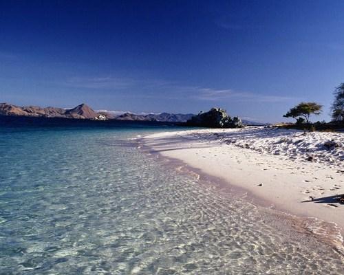 Pantai-Pantai di Labuan Bajo