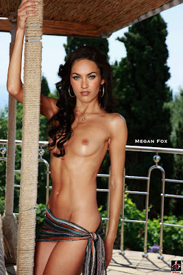 Megan Fox Nude Showing her Boobs & Ass Giving Blowjob [Fake]