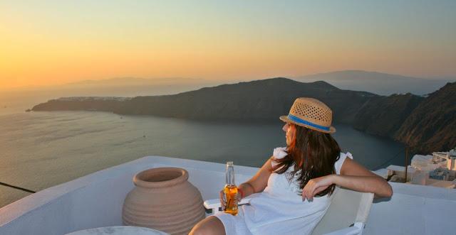 Santorini sunset puesta de sol Imerovigli Grecia Greece hotel Langas Vilas