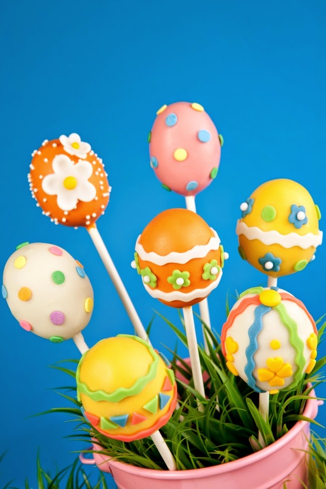 Easter Egg Cake Pops by Spaceships and Laserbeams