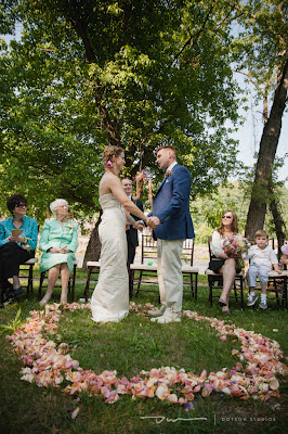 flower petal circle, pink flower petals, ceremony flowers, wedding ceremony, marriage