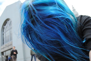 color de pelo azul