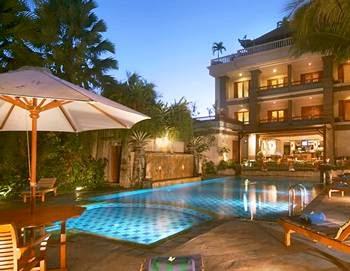 http://www.agenwisatabali.com/2014/05/daftar-nama-hotel-penginapan-di-bali.html