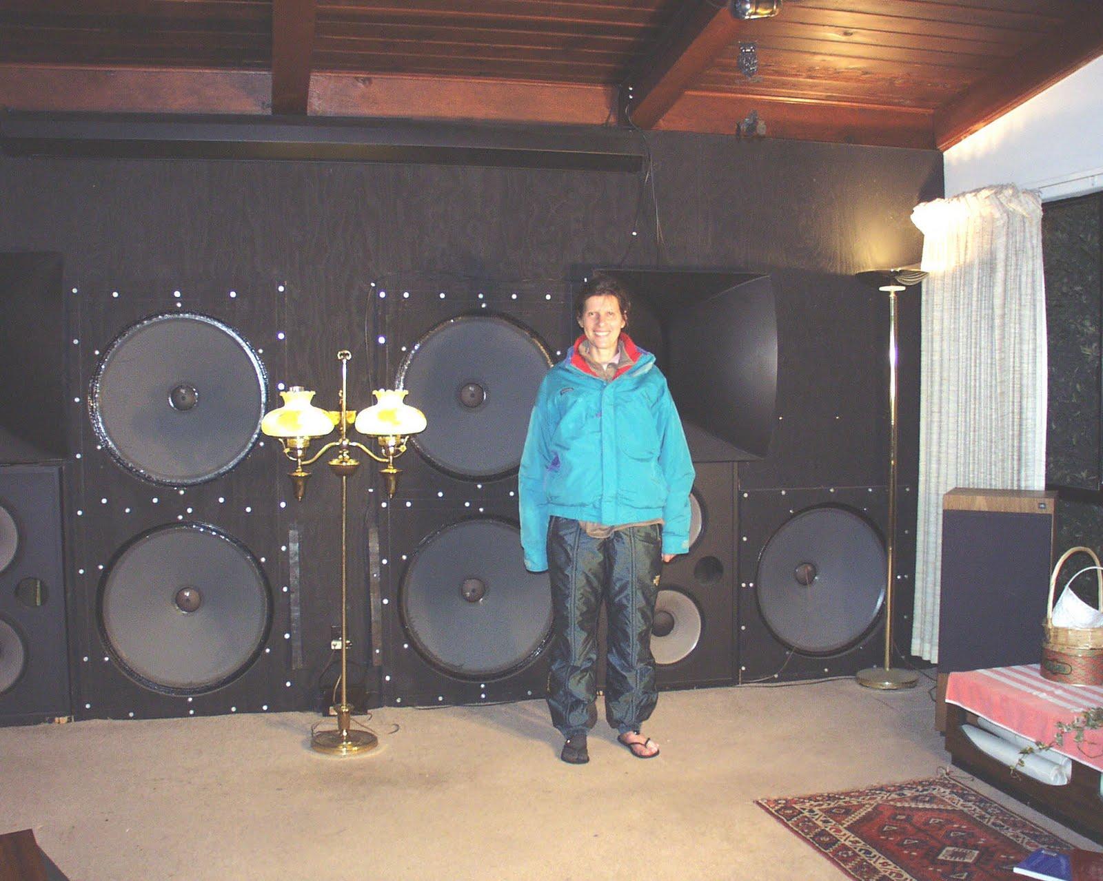 Ev inch powered speaker