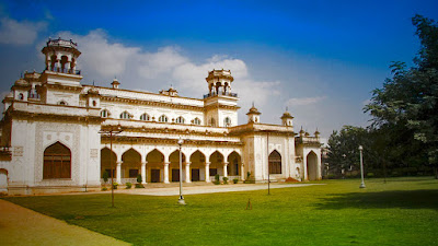 Chowmahalla palace is one of the popular sightseeing places in Hyderabad.