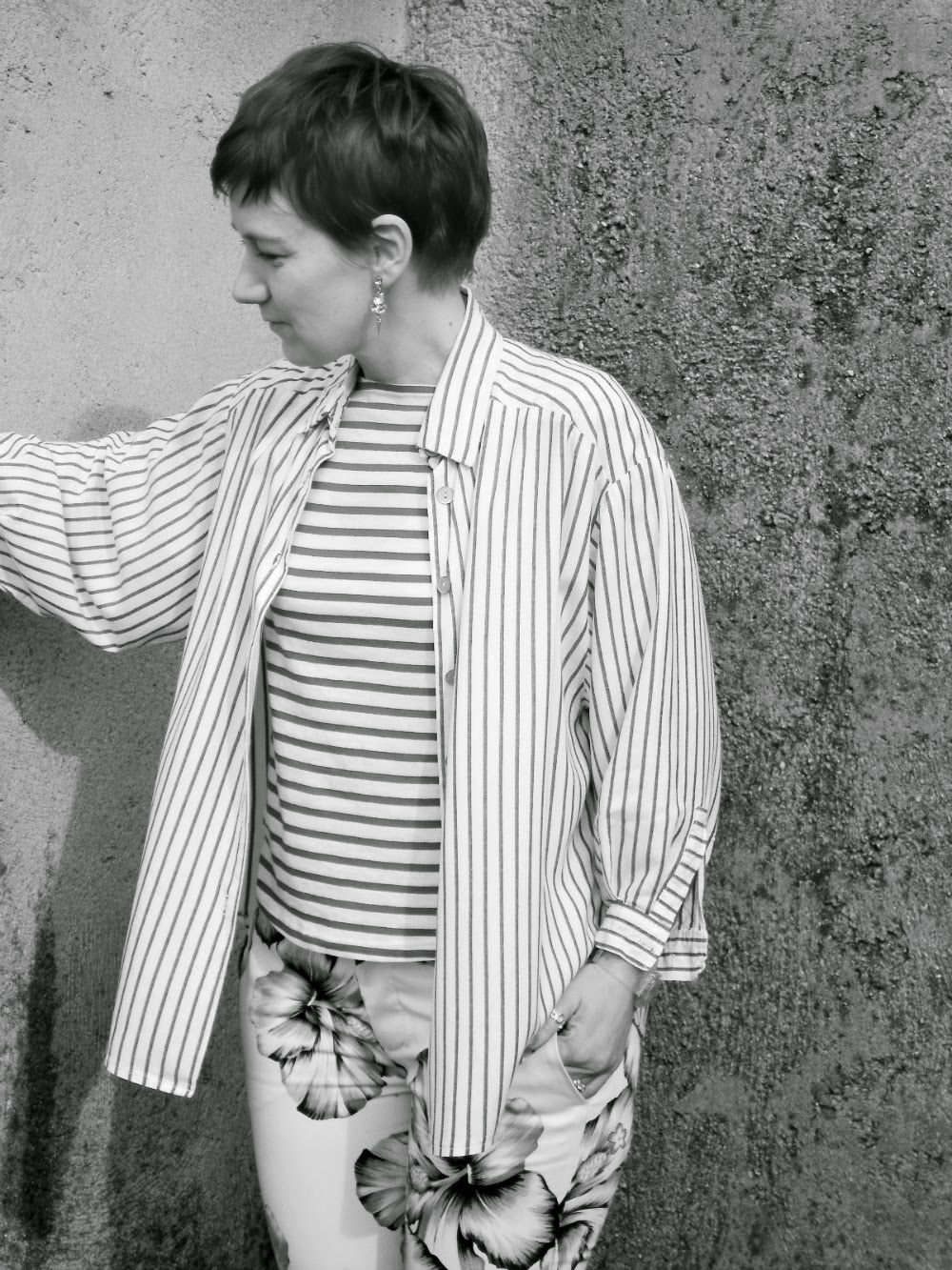 Striped button down shirt meets horizontal striped top meets floral pants | Pattern Mixing Spring Trends - Funky Jungle, fashion and personal style blog