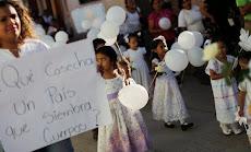 Padres de los 43 estudiantes acusan a la fiscalía de México de querer cerrar la investigación
