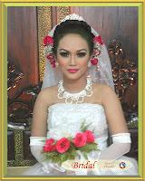 Pengantin Bridal dengan Hand Bouquet