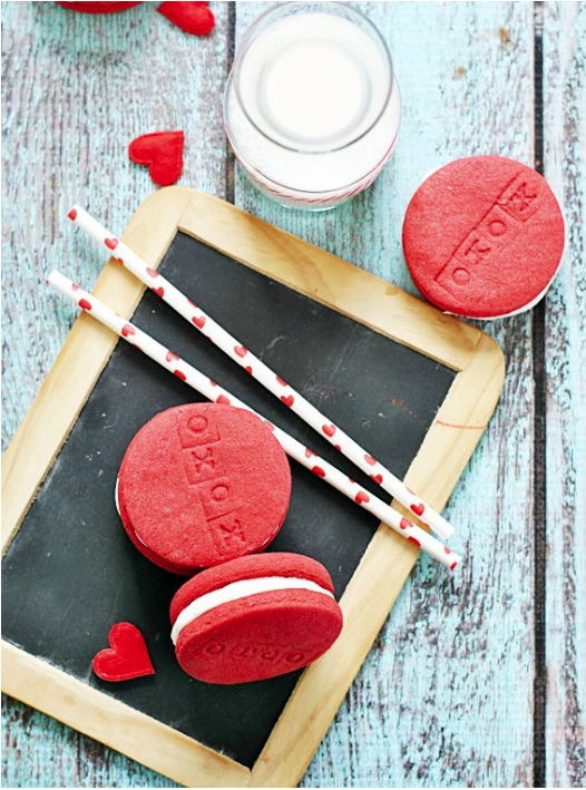 Valentine's desserts, Red Velvet Oreos  recipe via somethingswanky
