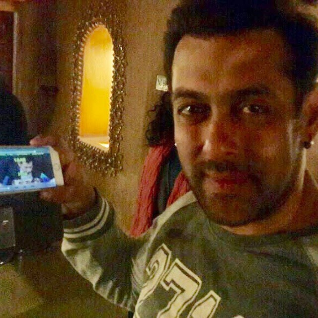 Salman Khan On Mobile App myntra