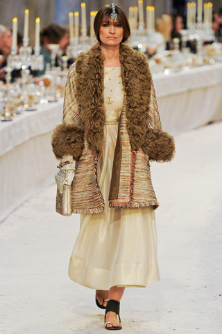 Sweet walking: Chanel Pre Fall 2012