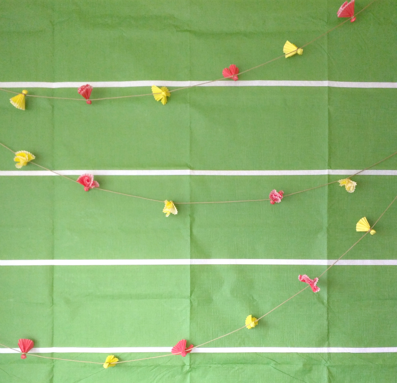 Cupcake liner party bunting tutorial (football penalty flag themed!)