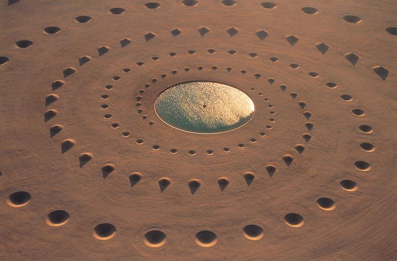 Aliento del desierto monumental instalación artistica desierto Sahara