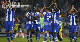 Agen Piala Eropa - FC Porto meraih poin sempurna usai menjamu Chelsea pada laga kedua Grup G Liga Champions di Estadio Do Dragao, Rabu (30/9/2015) dini hari WIB. FC Porto menang dengan skor tipis 2-1.