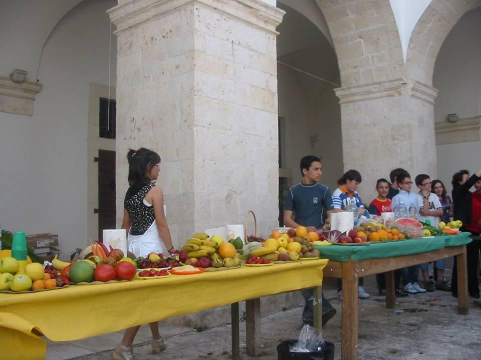 SCUOLA CHE PROMUOVE SALUTE: mangiare ARACOBALENO