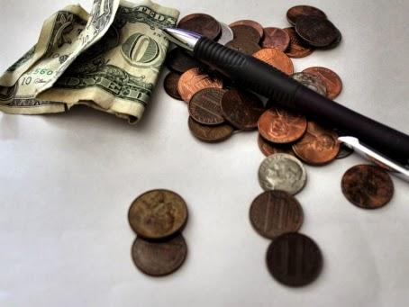 http://www.anneahira.com/images/menulis-dapat-uang.jpg