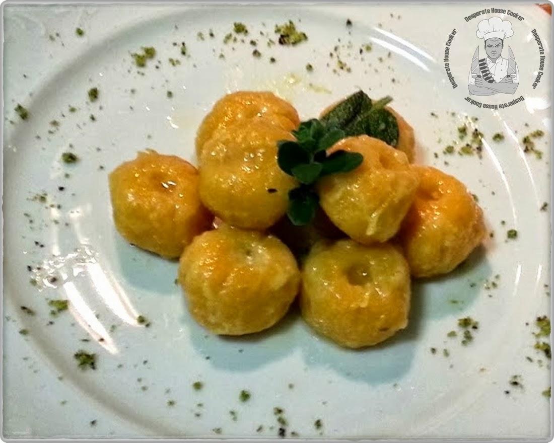 gnocchi di zucca ripieni di fonduta al pistacchio, succo di zenzero e amaretti