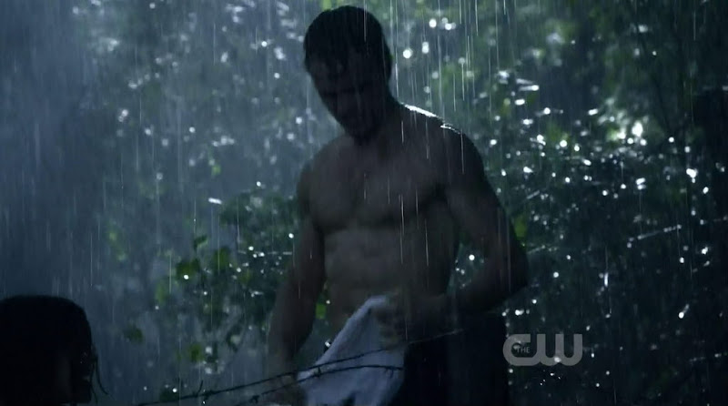 Wilson Bethel Shirtless in Hart of Dixie s1e22