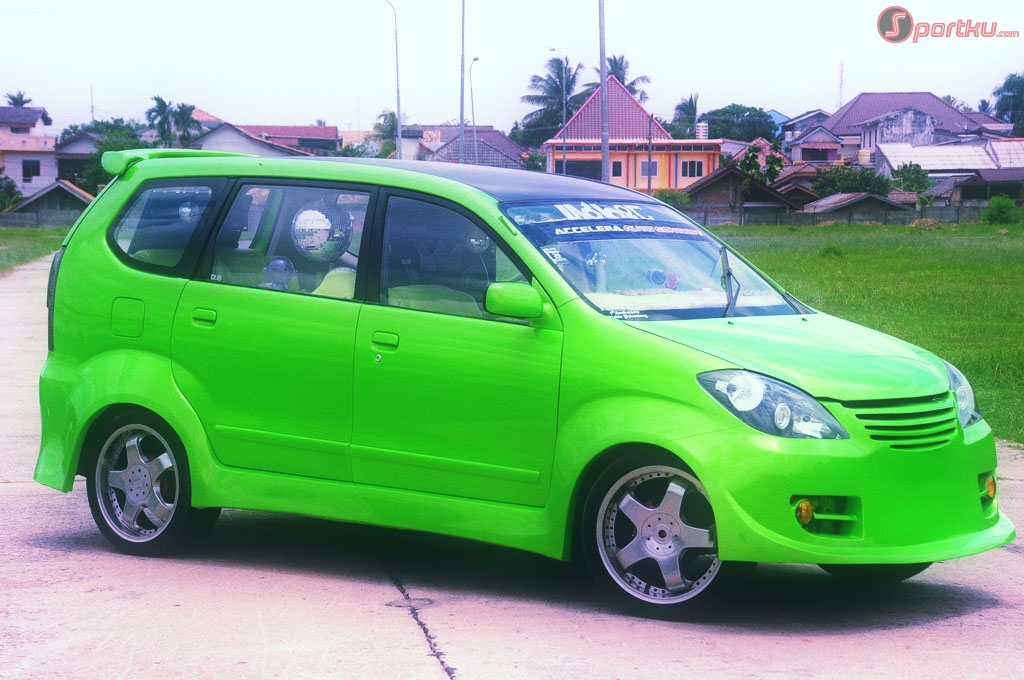 MODIFIED CAR TOYOTA AVANZA  LAUTOSHOW CARS