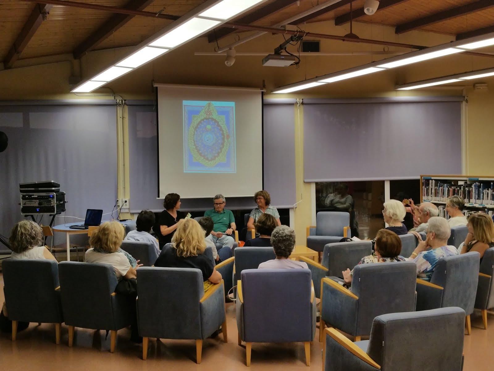 Tertúlia de Pedres blanques amb Rosa M. Prat i Balaguer