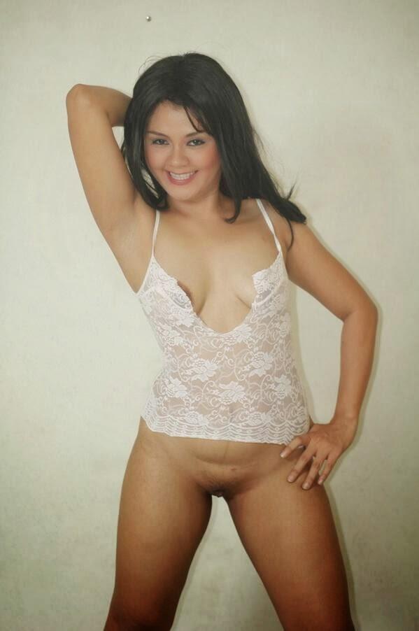 taylor steele naked pics
