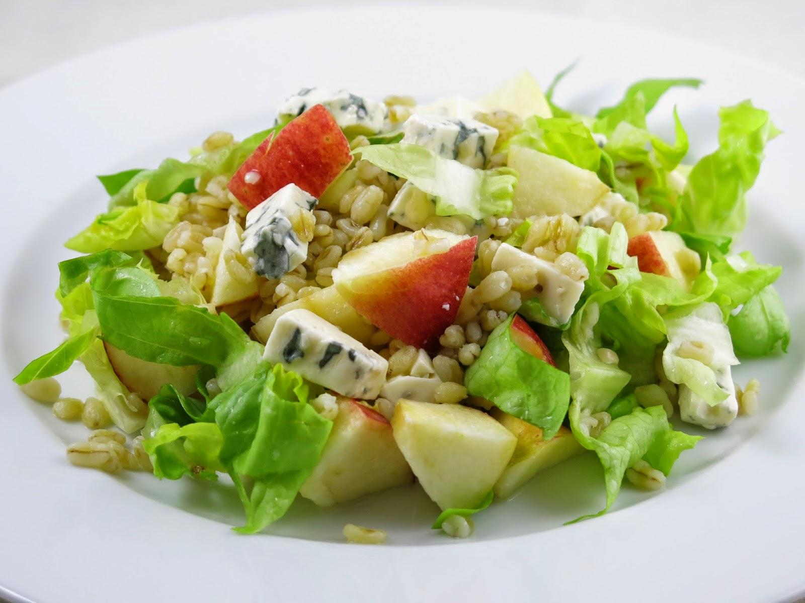 http://carrotcake.fr/fr/recipes/salade-de-ble-a-la-fourme-d-ambert-et-aux-pommes