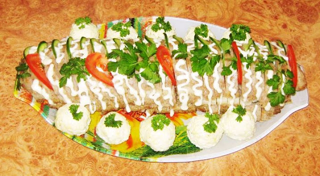 Складники: фарш, сало, сир, яйця, морква, цибуля