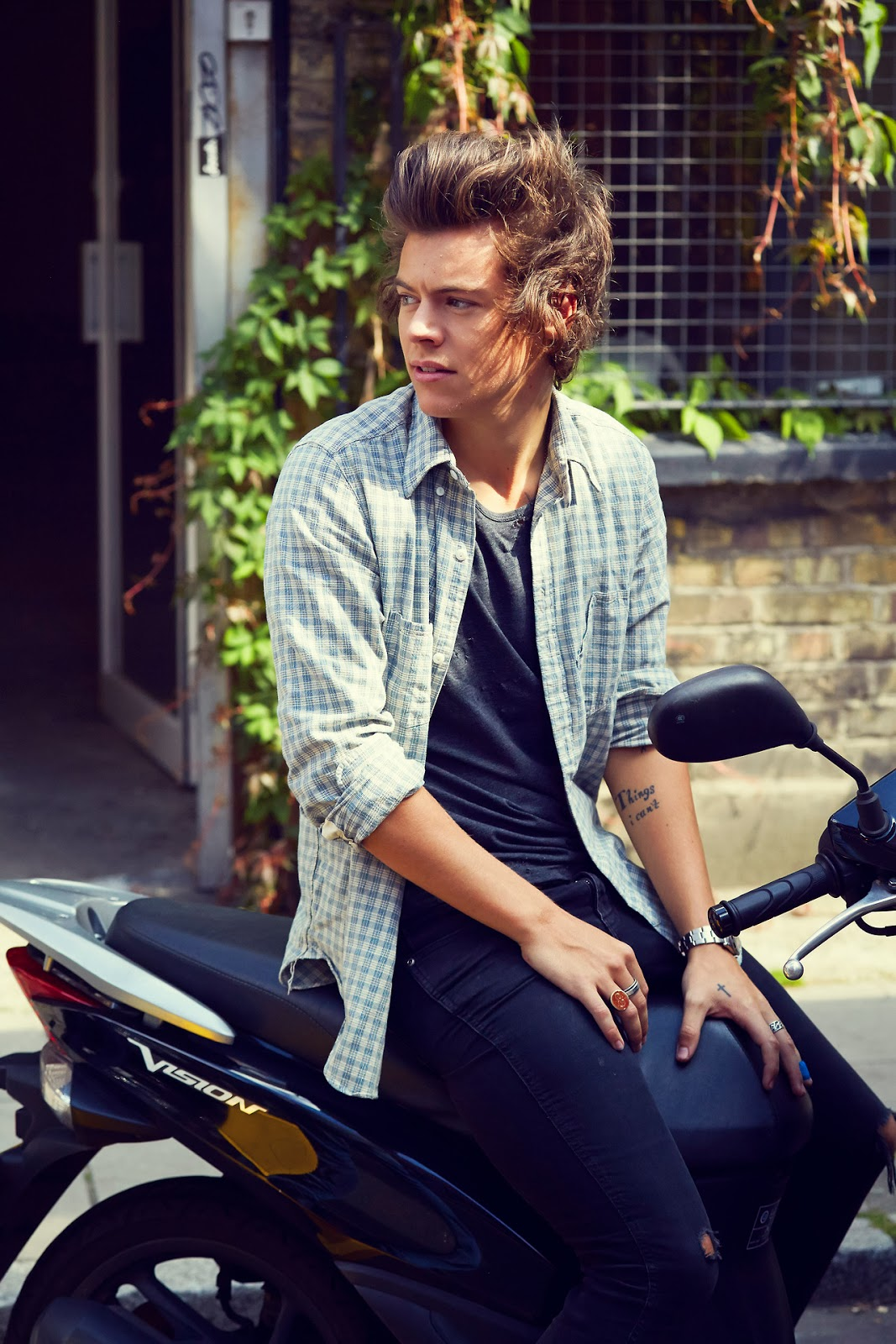 one direction,1d, harry styles, midnight memories, photoshoot, servizio fotografico, beautiful photo of harry, bella foto di harry