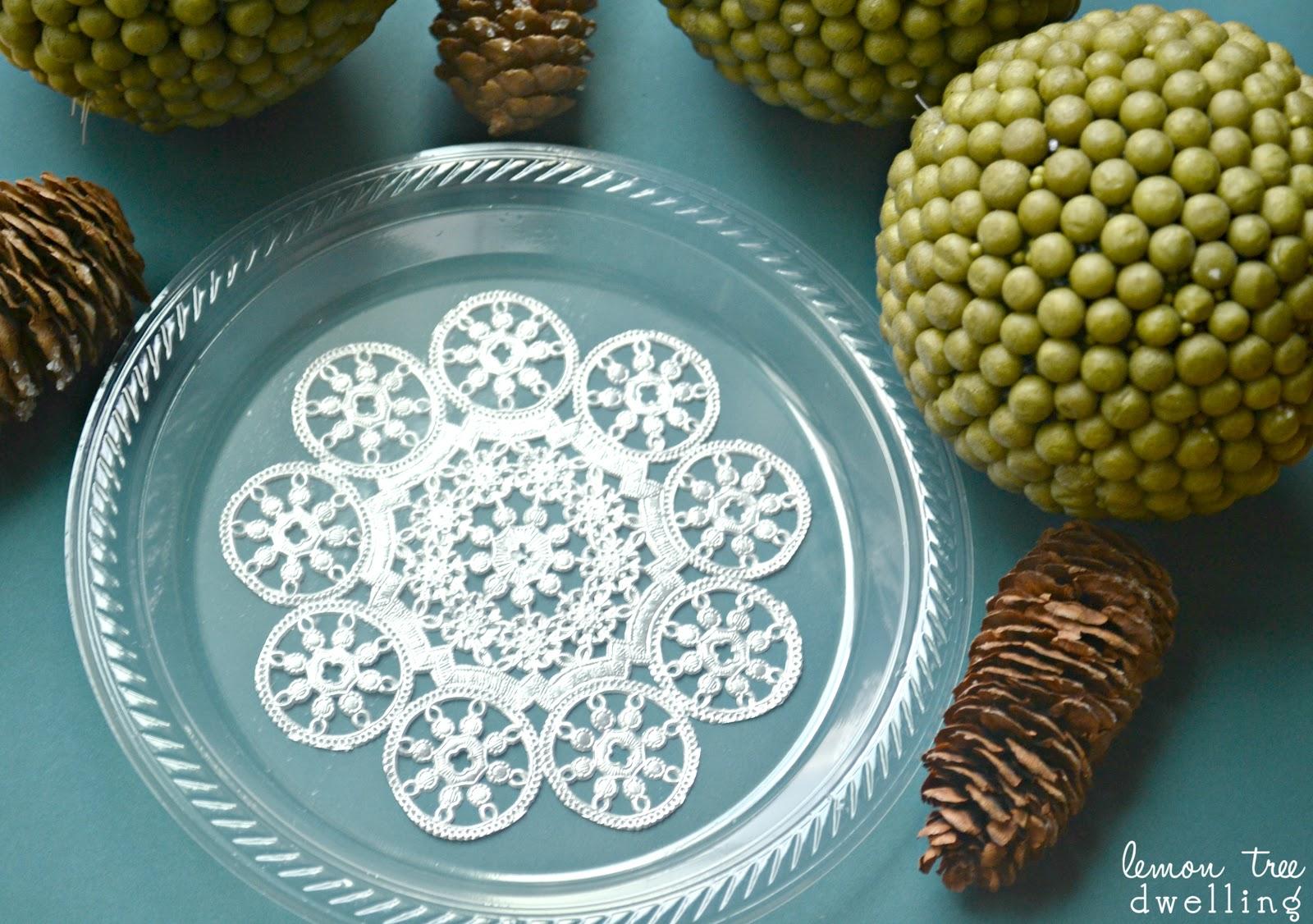 Simple \u0026 elegant DIY Holiday Plates - perfect for Christmas! & DIY Festive Holiday Plates | Lemon Tree Dwelling