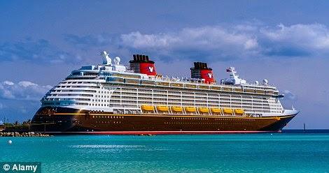 سفن سياحية عملاقة