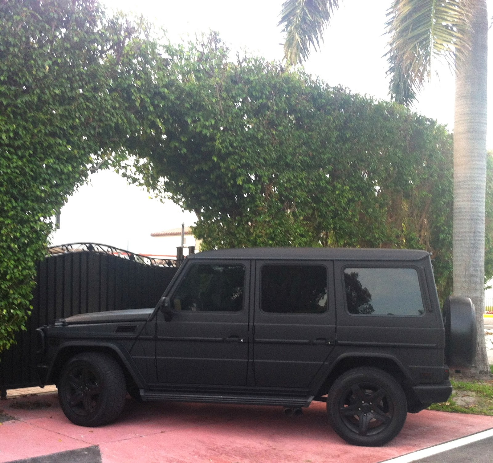 Matte black mercedes g55 exotic cars on the streets of miami for Mercedes benz matte black g wagon