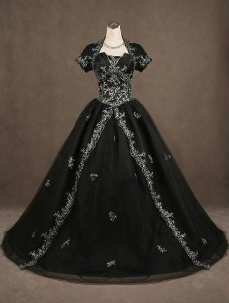 Medieval wedding dresses for Vintage gothic wedding dresses