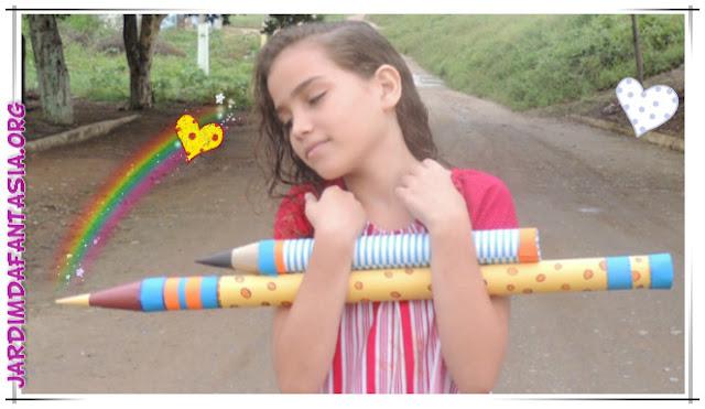 Aprenda a fazer lápis gigante para decoração de sala de aula