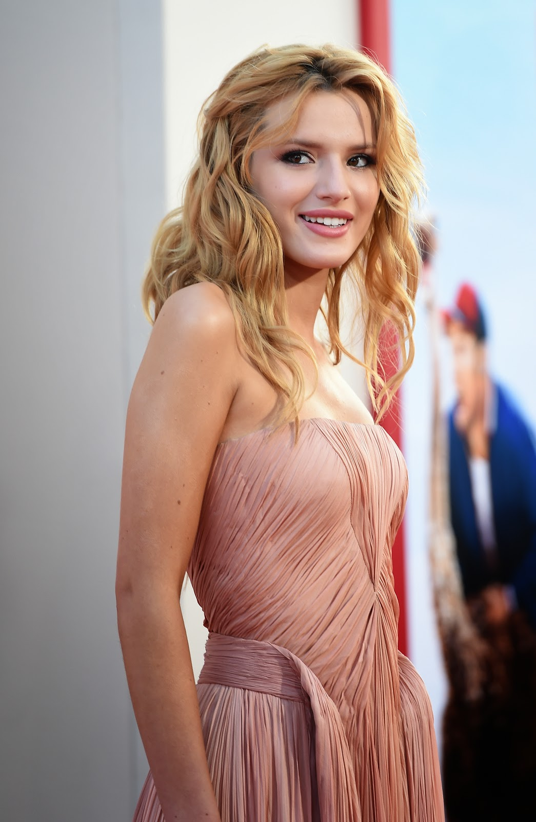 Bella Thorne HD Pictures   Wallpapers of Bella Thorne
