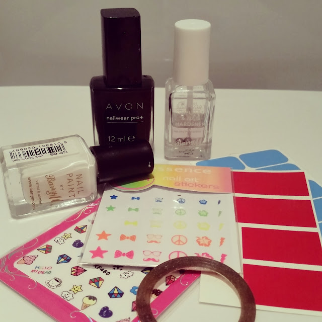 40-great-nail-art-ideas-geeks-day-designer-planner-striped-manicure (3)