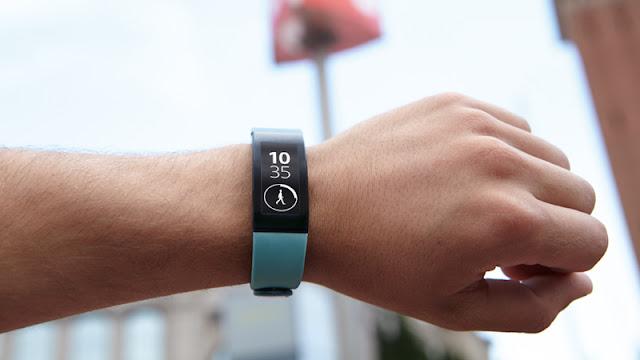 Sony Smartband Talk - đồng hồ nam thông minh